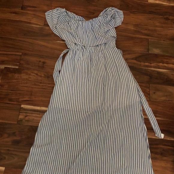 e42afcd4157 Alice + Olivia Dresses   Skirts - Alice   Olivia off the shoulder maxi dress